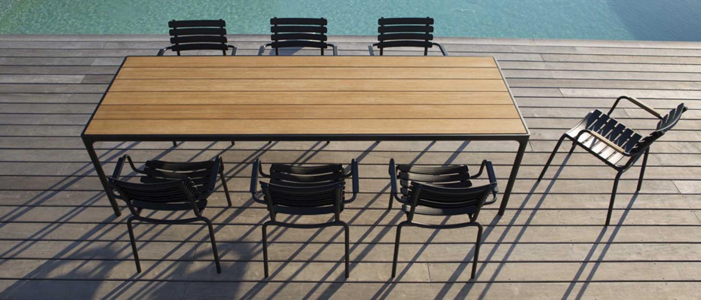 Houe tuinset Clips chair met armleuningen en alu tafel met bamboe blad