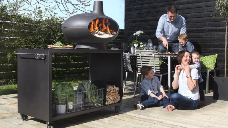 Morso Bbq op hout, pizza oven met keramiek, buitenkachel
