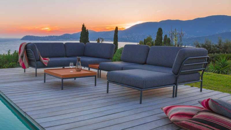 Outdoor Lounge Houe Level