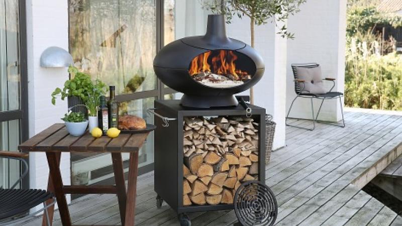 Morso op kleine tafel, houtbarbecue, pizza oven, buitenhaard
