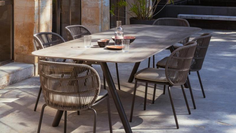 Tuinset keramiek tafel met tuinstoelen in rope