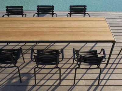 Tuinrama Houe tafel bamboo met aluminium tuinstoel Clips zwart