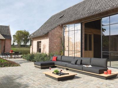 Outdoor Lounge Air Manutti met Iroko hout en quickdry foam kussens in antraciet sunbrella