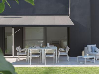 Manutti diningset Echo stapelstoel met rope en quarto tafel lounge zendo