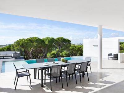 Uitschuifbare tafel aluminium met glazen top met 8 stoelen Sevilla in antraciet Jati&Kebon