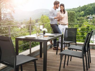 Balkontafel 140x70cm met 4 stapelstoelen in textilene, Kettler