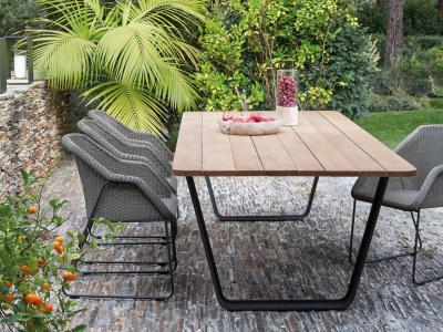 Tuinrama_Tuinset hout_AIR en Wicker tuinstoelen_Manutti