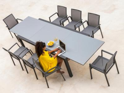 Tuinset Livorno tafel antraciet 220/330x106 met 8 stapelstoelen Sevilla ceramique