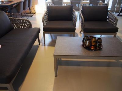 Lounge set 2-zit en 1-zit in grijs aluminium met salontafel keramiek