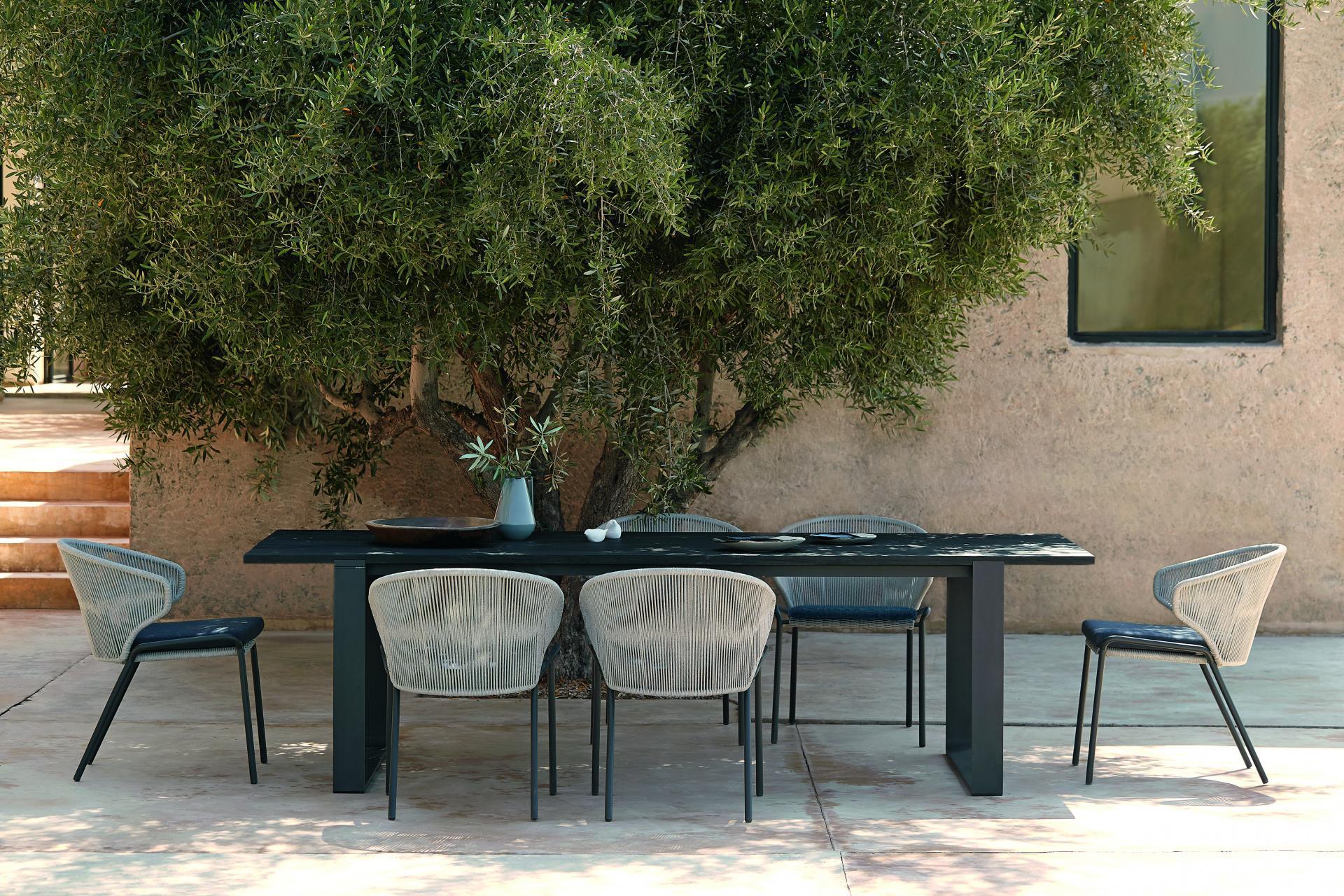 Tuinrama_Manutti_Radius_Prato tafel_Wij adviseren u  bij het inrichten van uw droomterras