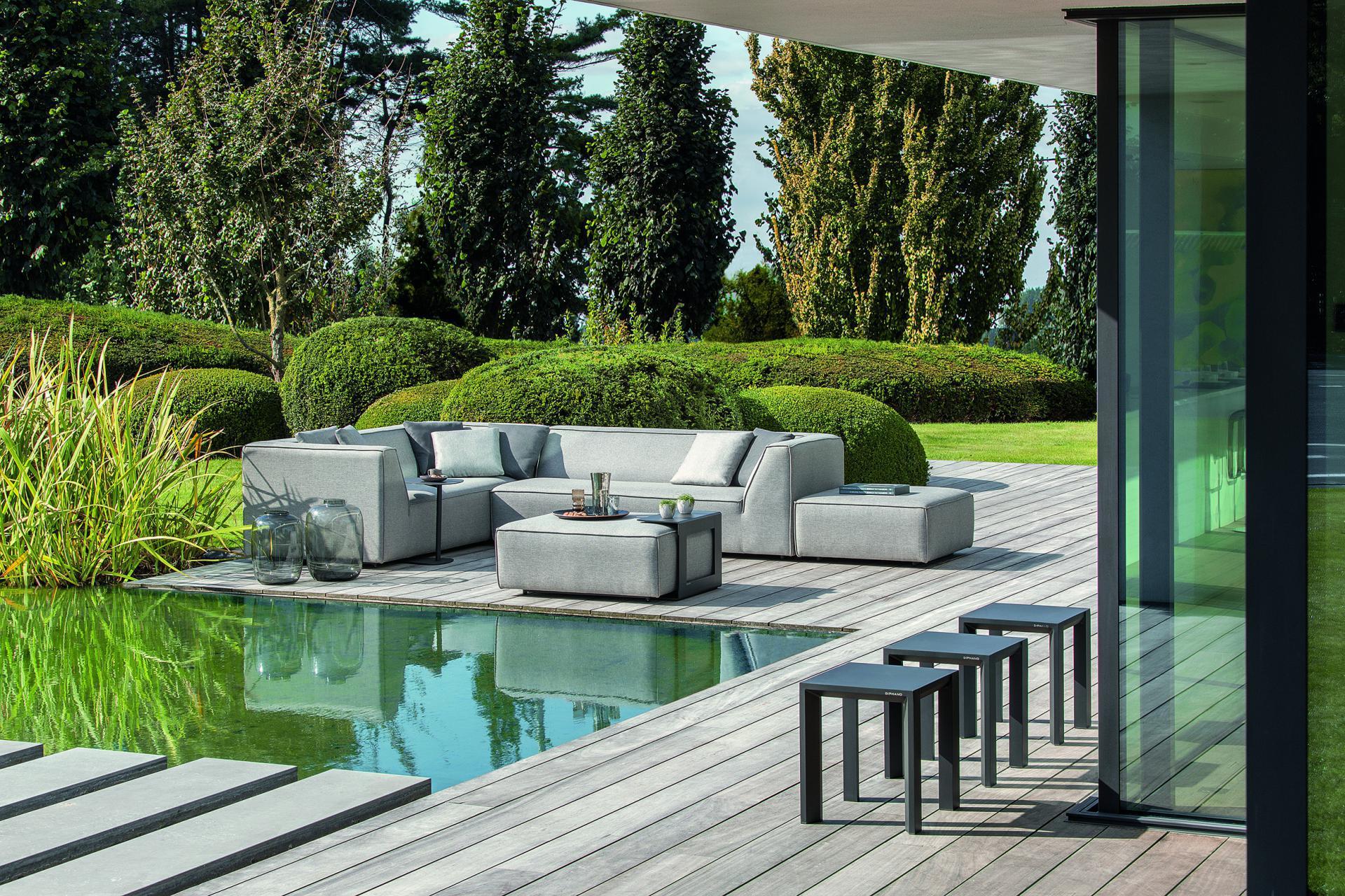 Buitensalon, outdoor lounge met weerbestendige bekleding