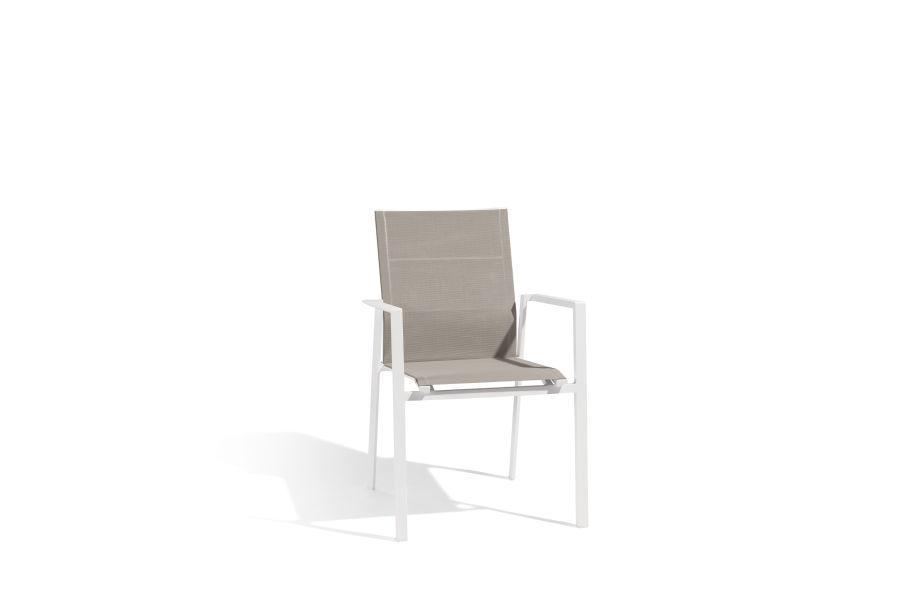 Stapelstoel met wit aluminium frame en taupe dubbele textilene